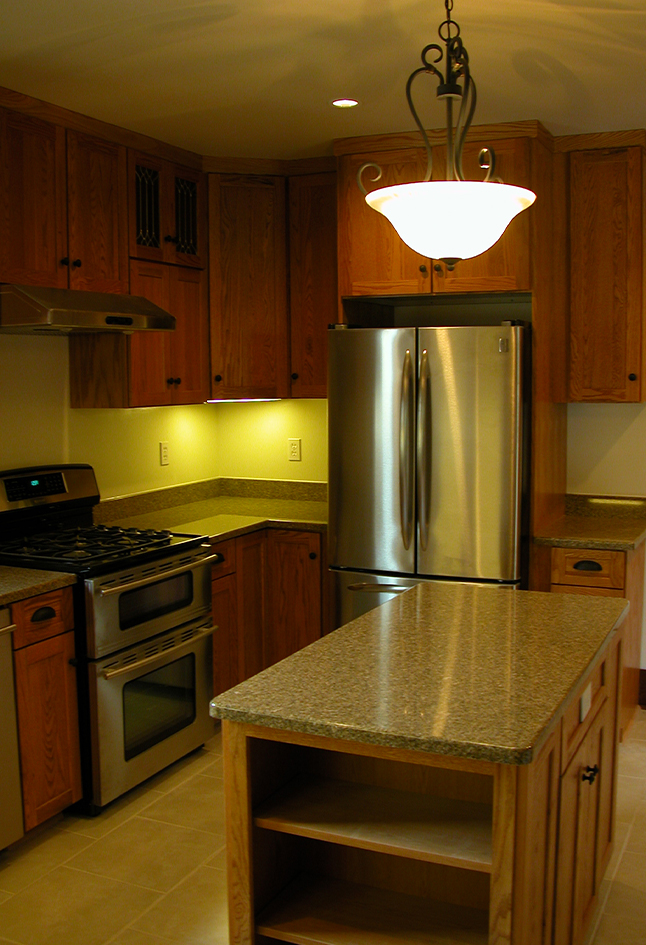 Oak Cabinetry & Granite Countertops Eugene, Oregon