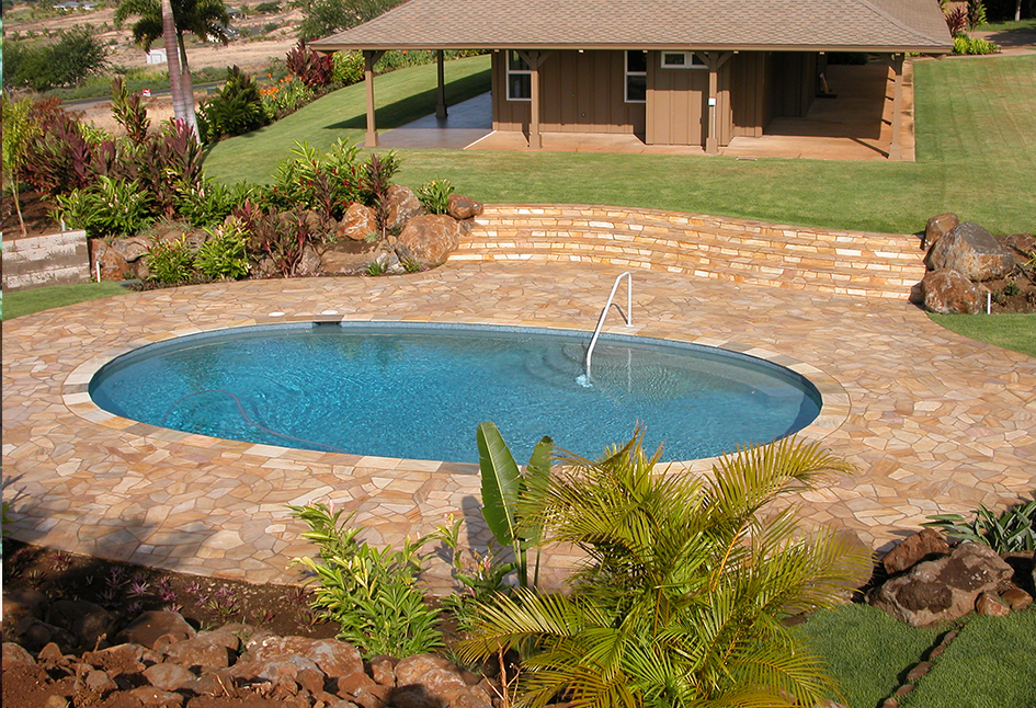Silver Quartzite Tile & Flagstone Pool, Maui, Hawaii