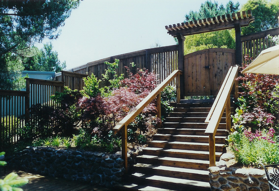 Fences decks pergolas cdpc landscape architecturecdpc for Garden design mill valley