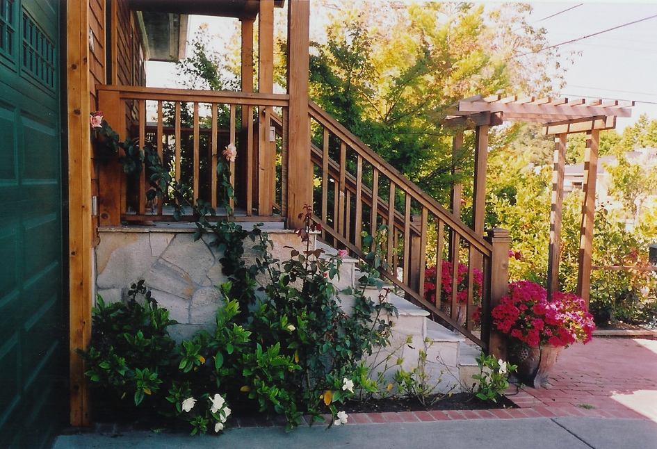 Silver Quartzite Entry Staircase Corte Madera, California